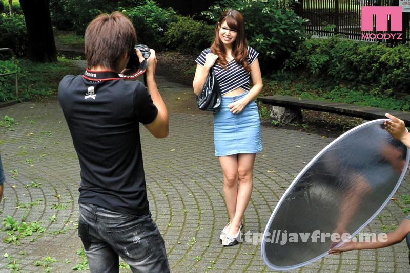 [MIMU-033] カメラマンの視線にムラムラしちゃう ママさん読者モデル撮影会