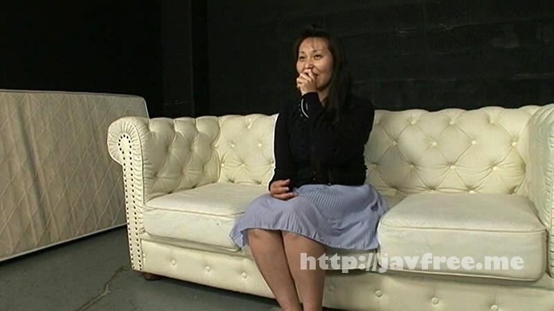 [OKAX-018] 人妻センズリ鑑賞会