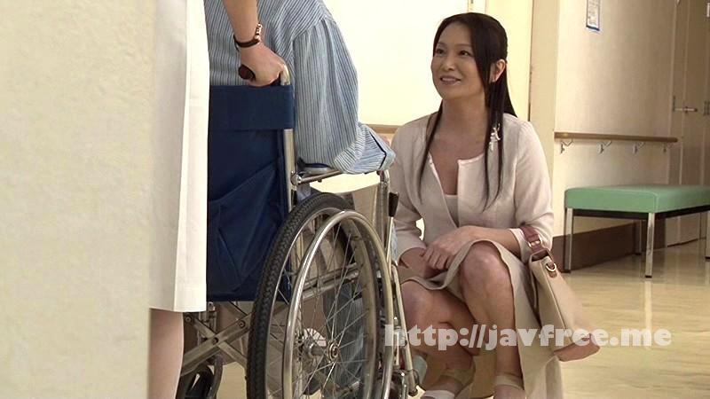 [DANDY 387] 「『おばさんで本当にいいの?』若くて硬い勃起角度150度の少年チ○ポに抱きつかれた看護師はヤられても本当は嫌じゃない」VOL.1 DANDY