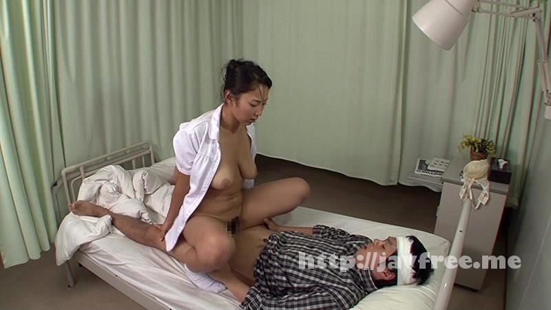 [DANDY 459] 「『大きな胸が密着してゴメンナサイ』看護師の巨乳をオカズに隠れせんずりしていたら勃起チ●ポを見られ怒られるかと思ったらヤられた」VOL.1 DANDY