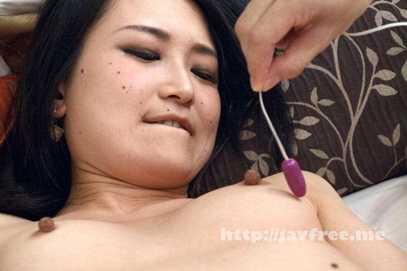 [EQ-319] 人妻貧乳 3 乳首を尖らせ悶え喜ぶ10人4時間