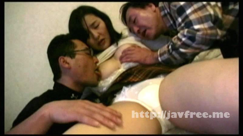 [GIGL 135] 旦那や子供から開放された昼下がりには、真面目な専業主婦が肉食系になるらしい!!夫とのセックスレス不満を埋める為、我を忘れて他人の肉棒チンポを求め喘ぐ!! GIGL