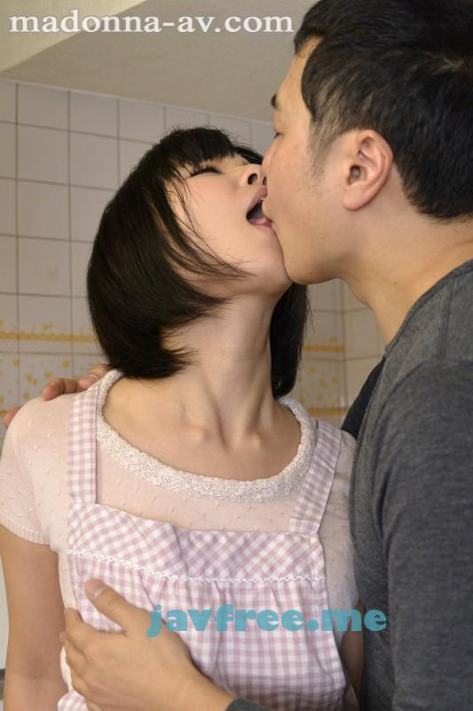 [JUX 110] 現役人妻看護師AVデビュー!! 正真正銘の「白衣の天使」。 白井真美 白井真美 JUX