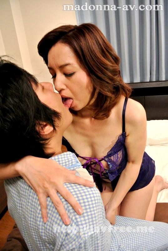 [JUX 258] 母さんの夫婦ゲンカ 「今夜はサトルの部屋で寝かせてね。」 神崎久美 神崎久美 JUX