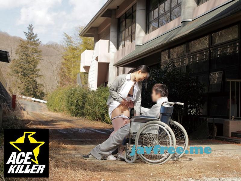 [KIL 008] 看護実習生がプライベートのムラムラを解消しようと患者を青姦に誘い中出しさせていた KIL