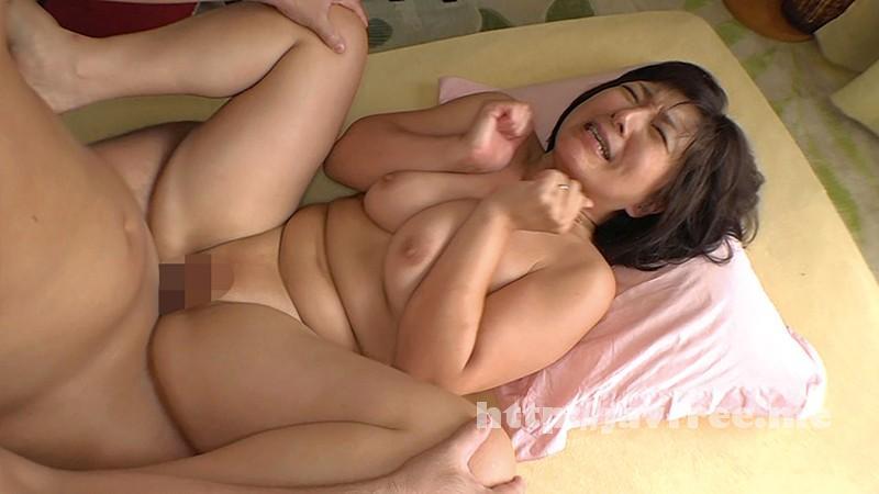 [MOT 116] パイパン巨乳ママ M息子たちの赤ちゃんプレイ願望Gカップ美人変態ママ いつきさん 鮎原いつき MOT