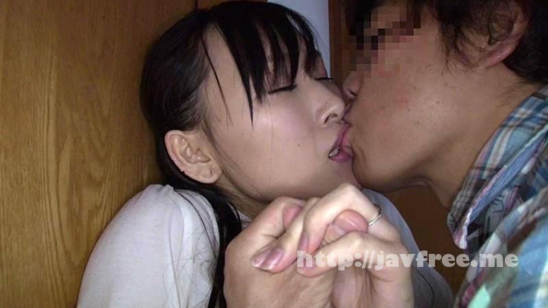 [NHDTA 551] 雨宿り中、濡れ尻を震わせながら視線を合わせてくる人妻は、キスした瞬かん巨根を求めだす。 NHDTA