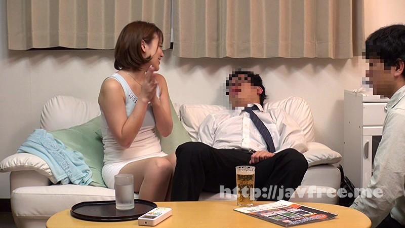 [NHDTA 565] 酔った夫に頼まれて仕方なく舐めだした美人妻のフェラ尻に我慢できず後ろから即ハメ3 NHDTA