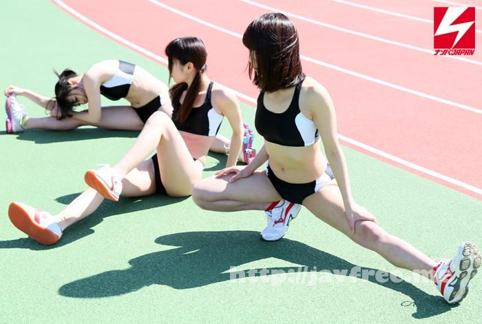 [NNPJ 097] 阿部乃みく&あやね遥菜&女監督なんともJAPANが行く!練習中の現役女子大陸上部員に声を掛けて、初体験の仲良し快感レズナンパ自慢の筋肉ビックンビックン!汗びっしょり!女子アスリートたちを大乱交させちゃいました。 レズHunt Vol.18 阿部乃みく あやね遥菜 NNPJ