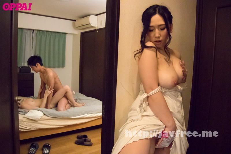 [PPPD-528] 親友からこっそり彼氏を寝取る巨乳でエッチな痴女お姉さん 佐山愛