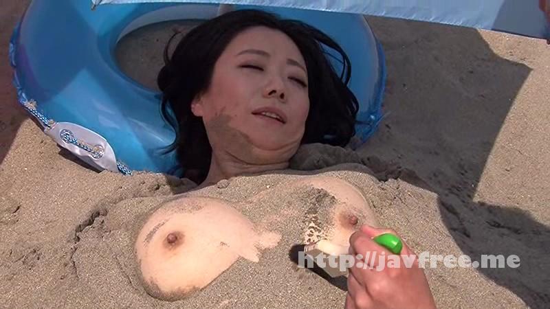[RCT 752] ビーチの砂浜が新パネル スケベな親子が海でエッチなゲーム一転知らずに近親相姦 息子なら母親の裸当ててみて! RCT