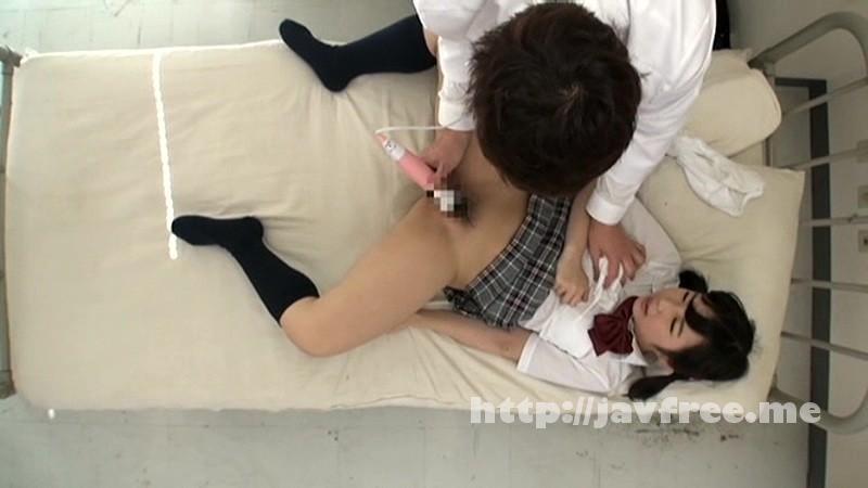 [SCOP 246] 保健室で未発達な身体をキワドイ部分まで念入りにマッサージされ、股間がヌレヌレになり我慢できずデカチンを求めてしまった女子校生 SCOP