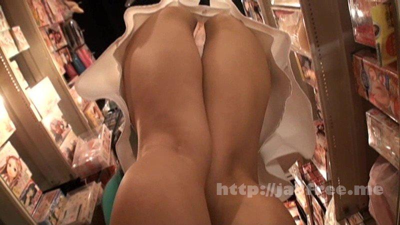 [SCOP 257] 一人でアダルトショップに入店する女は絶対スケベ!アダルトグッズを勧めると絶対に食いついてくる! SCOP
