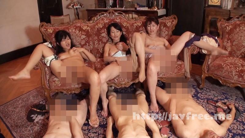 [SENJ 001] こっそり熟女たちが集団でオナニーしながらセンズリを見てイクッ姿に興奮ついでに喰わえて精子をしぼり取る SENJ