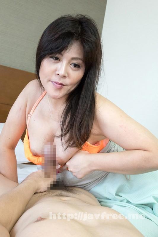 [SHE-324] 熟女が恥らうセンズリ鑑賞 12