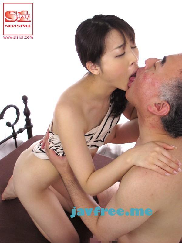 [SOE 859] 清楚な美少女の淫らな接吻と4本番 本田岬 本田岬 SOE