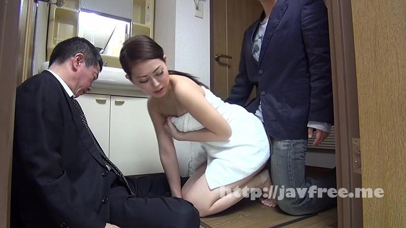 [SW 269] 突然僕の目の前で、巨乳若妻のバスタオルがポロリ、直ぐに反応した僕のチ○ポに若妻も目が釘付け!! SW