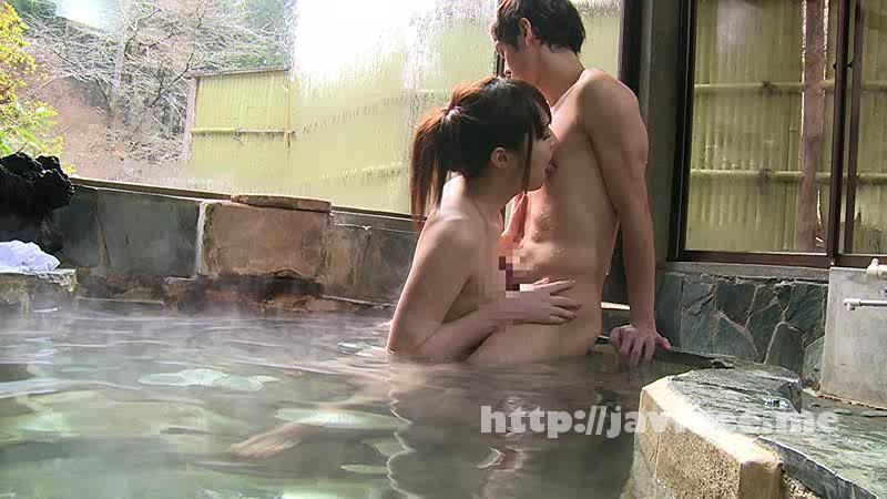 [SW 325] 混浴温泉で奇跡の若い女性客と遭遇!興奮してたら湯船からチ○コがにょっきり!ニューハーフと気づいても僕の勃起も収まりつかずヤッてしまいました SW
