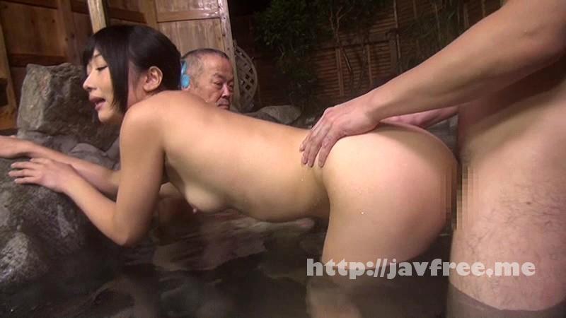 [UMSO-092] 野外中出し浴場 男湯に奥さんを連れ込んで男性客の目の前で中出し!