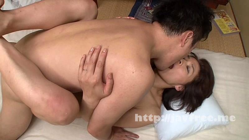 [VENU 469] キスからはじまる母と息子の愛情、密着、濃厚セックス 矢部寿恵 矢部寿恵 VENU