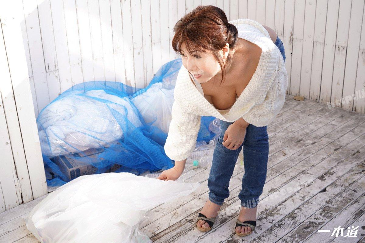 一本道 012321_001 朝ゴミ出しする近所の遊び好きノーブラ奥さん 美原咲子 - image 012321_001-1pon-2 on https://javfree.me