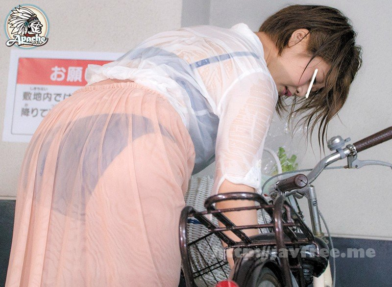 [HD][AP-569] 突然のゲリラ豪雨で下着が透けまくる買い物帰りの巨乳若妻を勃起チ●ポで感じさせろ!! - image AP-569-6 on https://javfree.me