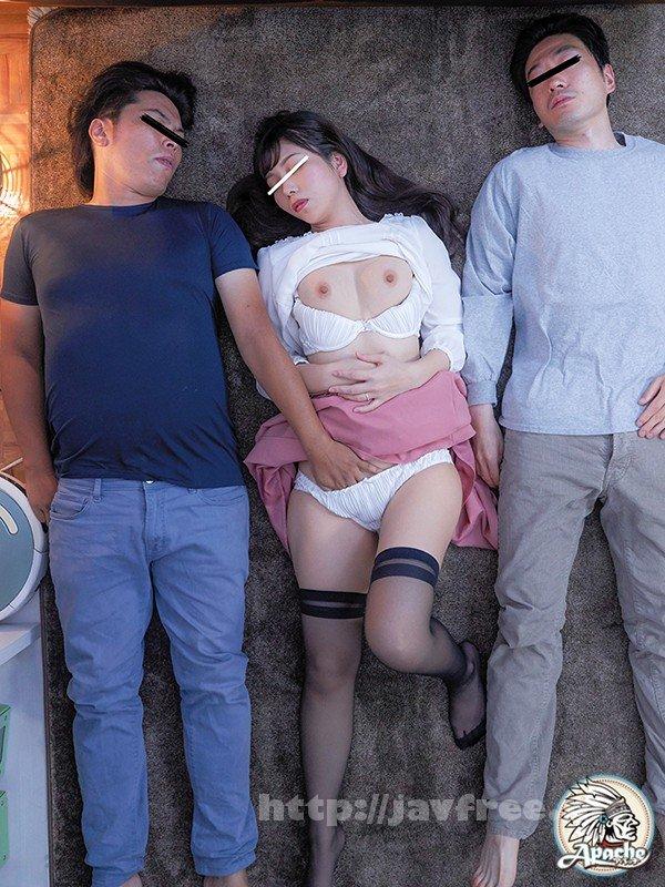 [HD][AP-619] 町内会 川の字泥酔痴漢 町内会の飲み会で飲み足りなくなって宅飲み!みんな泥酔して川の字で雑魚寝している若妻にイタズラしまくって、そのままちょっと強引にハメちゃって、勢いでこっそり孕ませ中出し!! - image AP-619-15 on https://javfree.me