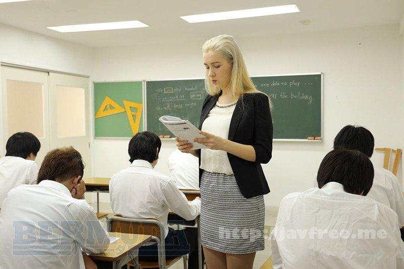 [BDA-124] 恥辱の教室 外国人女教師サーシャ - image BDA-124-10 on https://javfree.me