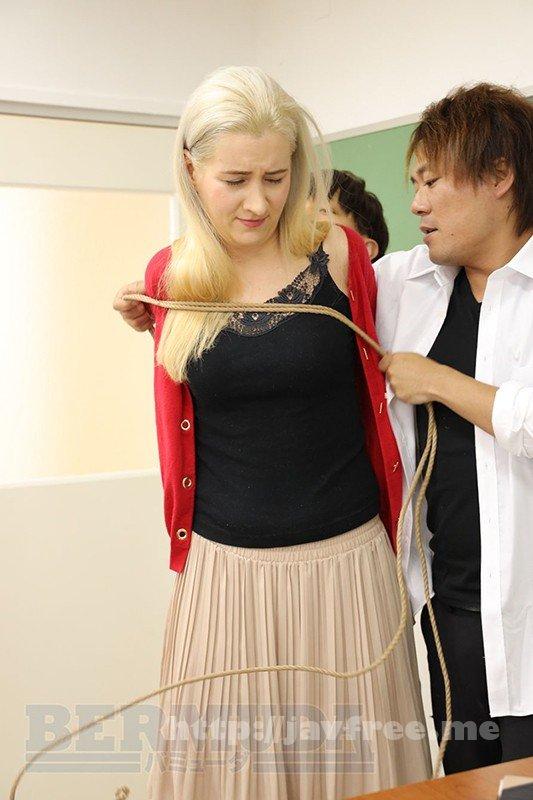 [BDA-124] 恥辱の教室 外国人女教師サーシャ - image BDA-124-11 on https://javfree.me