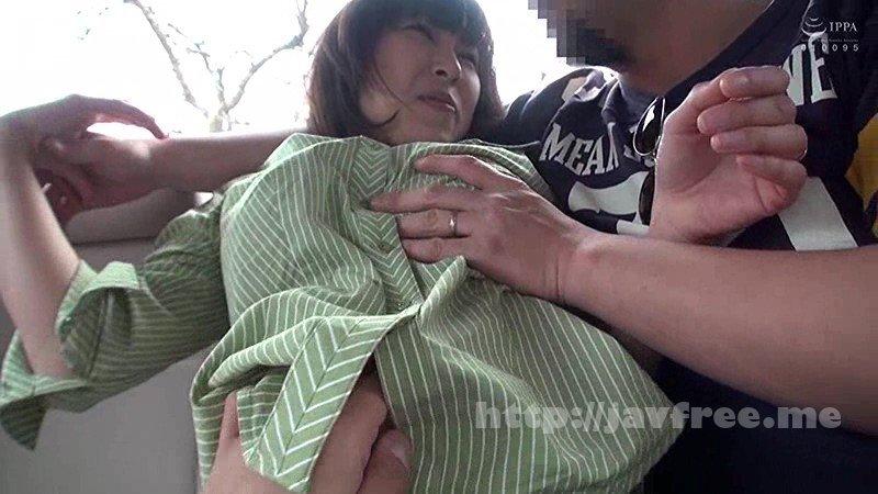 [BDSR-385] お人好し地味巨乳妻GET!!団地ママがチャラ男のナンパを断りきれずに過激セックス中出し 4時間10人 2 - image BDSR-385-6 on https://javfree.me