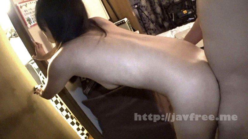 [HD][C-2506] 酔いつぶれた旦那さんのすぐ側で奥さんを寝取る09