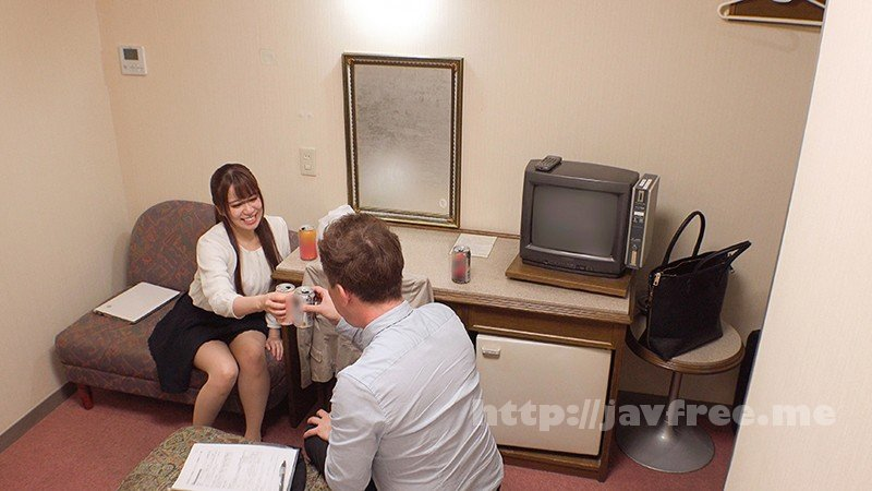 [DANDY-644] 「酔って寝ている間にチ○ポを触る女上司の弱みを握った僕は夜中から出勤するギリギリまで何度もヤりまくった」VOL.1 - image DANDY-644-1 on https://javfree.me