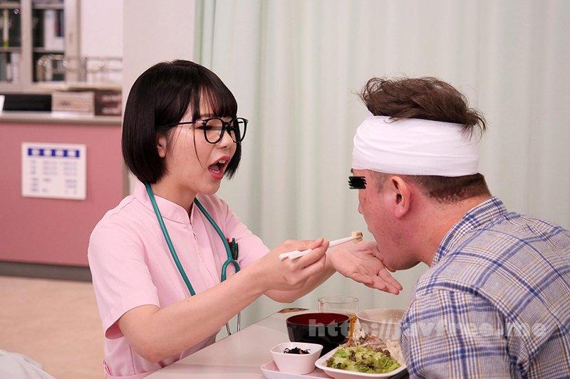 [HD][DANDY-778] 「看護師さんに惚れられ過ぎて彼女がそばにいるのにコソコソ誘惑(胸チラ/尻見せ/超密着)されてヤられた」VOL.2 - image DANDY-778-4 on https://javfree.me