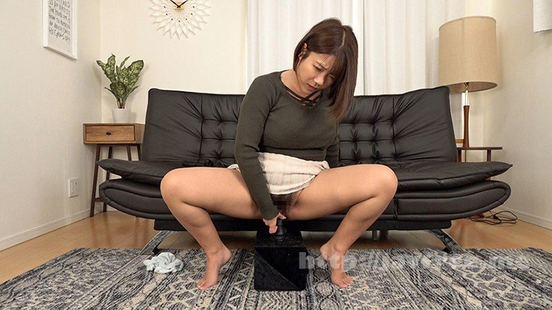 [HD][DROP-061] 白濁愛液ベットリ!! 素人娘が初めての黒ディルドオナニー 3 - image DROP-061-9 on https://javfree.me