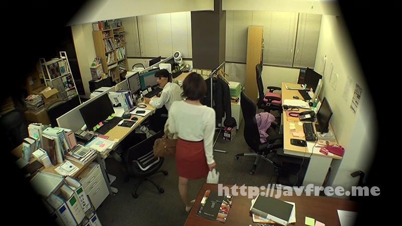 [DVDES-815] 巨乳の上司と職場でセックスしたい…2人きりのオフィスで残業中に部下のイケナイ欲望を告白された年上の女子社員は身体を許してしまうのか!?バレたら即懲戒免職の社内盗撮でそのヤリたい願望をAV制作会社が完全バックアップ!! - image DVDES-815-14 on https://javfree.me