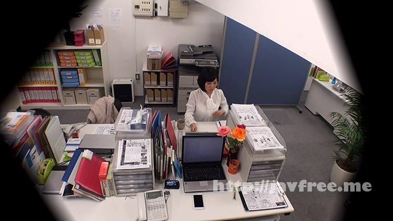 [DVDES-815] 巨乳の上司と職場でセックスしたい…2人きりのオフィスで残業中に部下のイケナイ欲望を告白された年上の女子社員は身体を許してしまうのか!?バレたら即懲戒免職の社内盗撮でそのヤリたい願望をAV制作会社が完全バックアップ!! - image DVDES-815-4 on https://javfree.me
