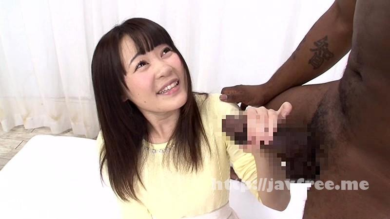 [HD][DVDES-942] 一般黒人男性×素人女子大生 ち●ぽが大きすぎて困っている日本在住の黒人男性が素人女子大生にお悩み相談! 彼氏の短小ち●ぽよりもはるかに大きい黒デカち●ぽの登場にハニかみながらも色白うぶマ●コは疼きだす! - image DVDES-942-6 on https://javfree.me