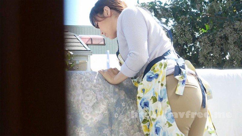 [HD][DVDMS-216] 母姦 Rec-2 過激生投稿 日頃から気になって仕方ない母の無防備なブラチラとピタパン尻に童貞息子の欲望が爆発 家族の目を盗んで撮影された筆おろし近親相姦映像を完全収録 - image DVDMS-216-1 on https://javfree.me