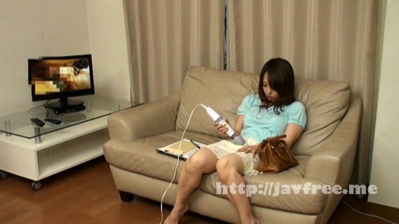 [DVH 657] 衝撃の美熟女ナンパ!!!健康器具の体験モニターと称して電マを渡し、「20分戻りません」と退室。10分後に覗いてみたら… 3 DVH