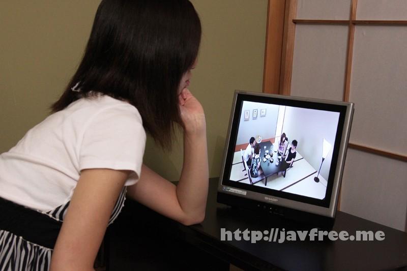 [EQ-252] 素人カップル寝取られゲーム 別室で彼氏の浮気現場の生盗撮を見せられた彼女の仕返しは!? - image EQ-252-12 on https://javfree.me