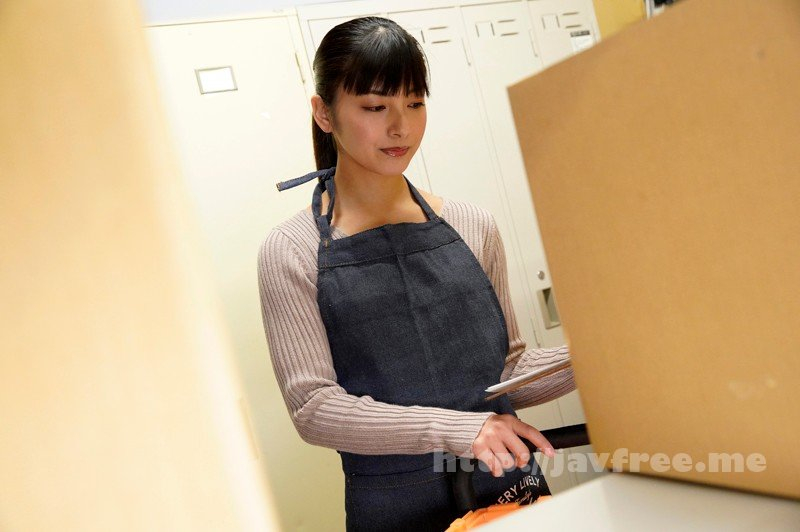 [EQ-450] 主婦達が働くパート先に忍び込み、逃げ惑う美熟女を犯しまくった!! - image EQ-450-2 on https://javfree.me