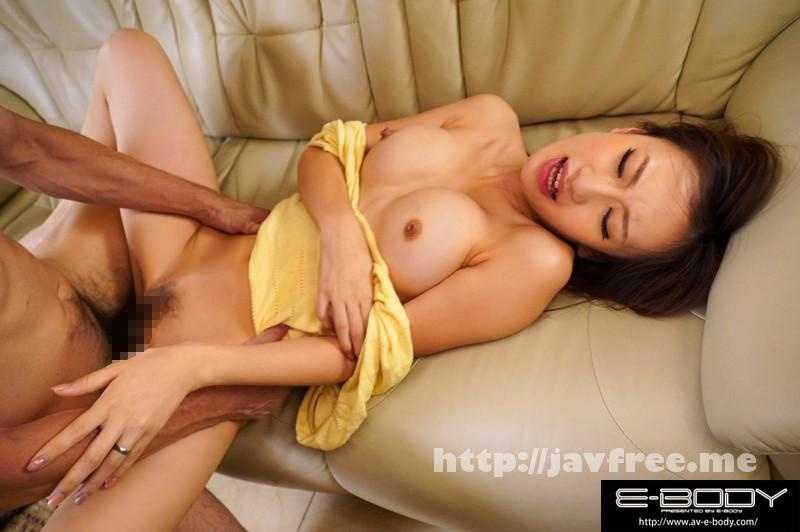 [EYAN-040] 巨乳若妻のノーブラ誘惑 隣の欲求不満な奥様の美乳がチラリ ほしの景子 - image EYAN-040-6 on https://javfree.me