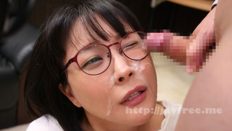 [HD][FSET-826] 見た目が真面目そうなメガネ女子ほどチ○コを目の前にすると豹変する変態女 - image FSET-826-2 on https://javfree.me