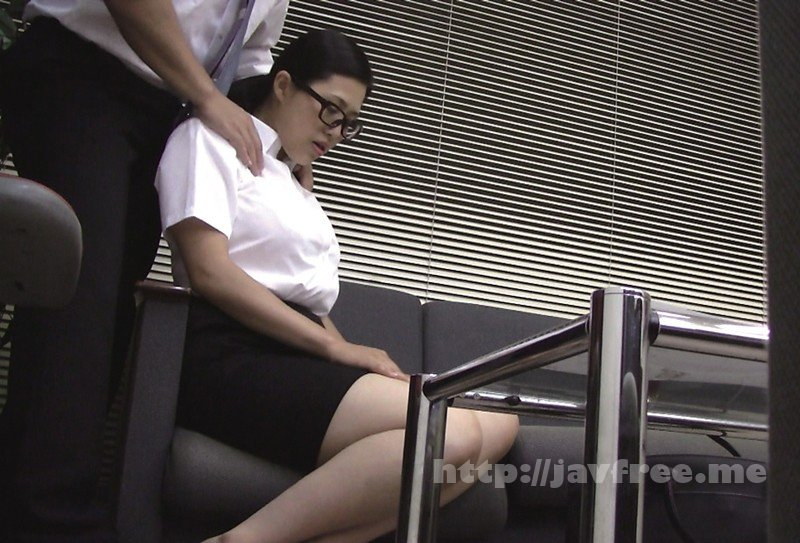 [HD][FUFU-174] 実録 堅物で地味だけどイヤらしい身体の妻を騙して… - image FUFU-174-3 on https://javfree.me