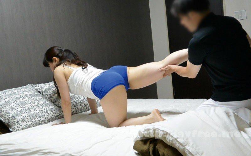 [HD][FUFU-195] 堅物な年上妻を騙して結婚記念日に夫婦で泊まったホテルで性感マッサージを…小日向こゆきさん(46) - image FUFU-195-17 on https://javfree.me