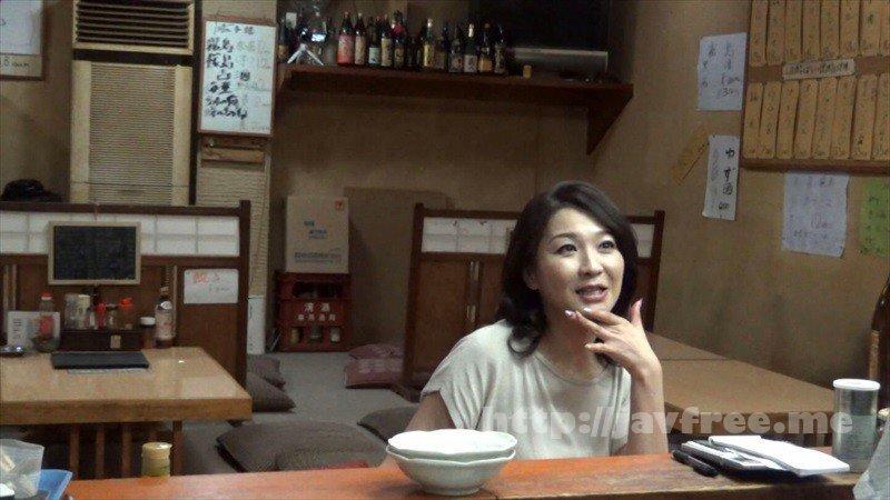 [HD][GIGL-644] 居酒屋盗撮 居酒屋で一人飲みしているおばさんは男にお持ち帰りされることを妄想しながらパンティを湿らせて酒を飲んでいる! - image GIGL-644-3 on https://javfree.me