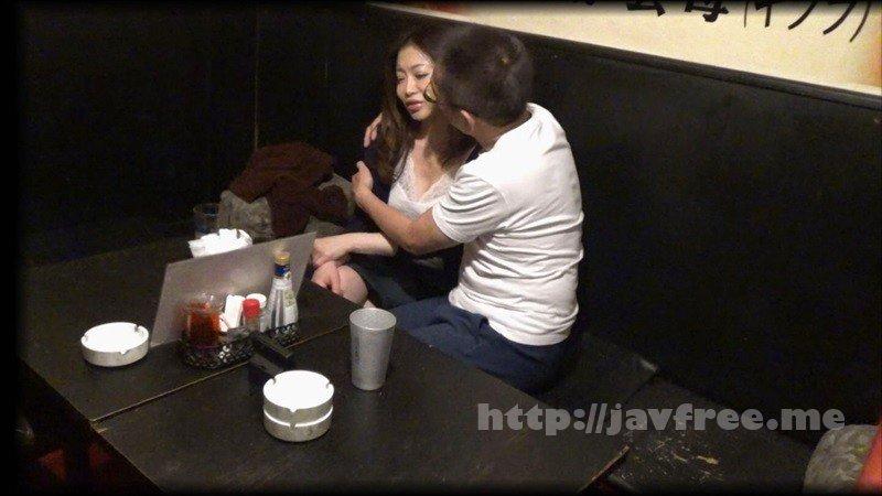 [HD][GIGL-644] 居酒屋盗撮 居酒屋で一人飲みしているおばさんは男にお持ち帰りされることを妄想しながらパンティを湿らせて酒を飲んでいる! - image GIGL-644-4 on https://javfree.me