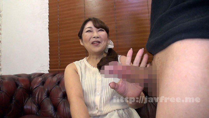 [HD][GOJU-165] 勃起チ○ポを見せつけたらスケベになった素人奥様に、そのまま精子ブッかけちゃいました!五十路妻10名 - image GOJU-165-2 on https://javfree.me