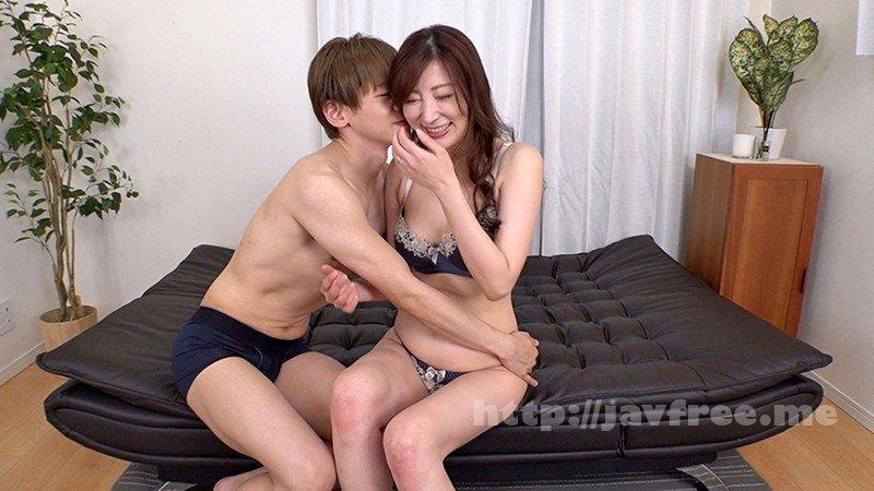 [HD][GOJU-180] 「年下の若いイケメン君とセックスしたくて来ました。」息子くらい年の離れた男の子とヤりたい願望があるドスケベ美熟女 - image GOJU-180-8 on https://javfree.me