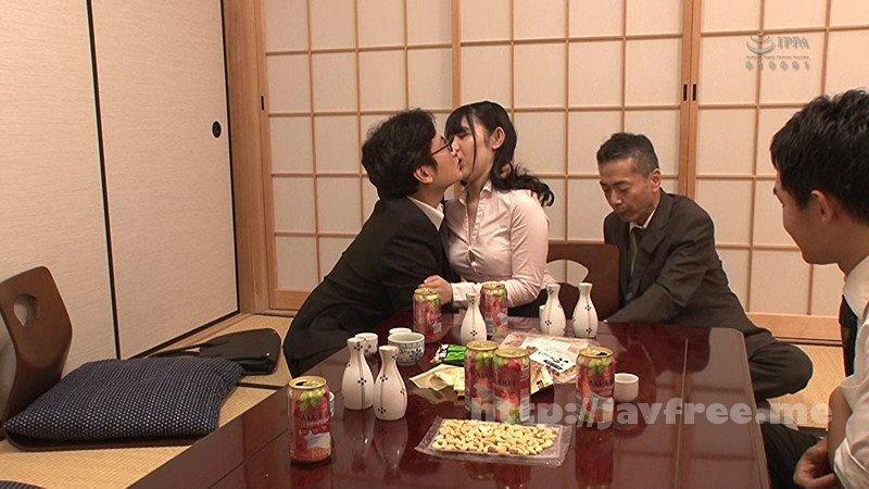 [HD][GS-234] 出張先で接待宴会させられるソソる酒乱キス魔の女子社員!出張先で取引先のオヤジと酒宴。酔わされてセクハラされまくりの紅一点女子社員…ところが酒癖が悪く悪のり逆セクハラ!? - image GS-234-14 on https://javfree.me